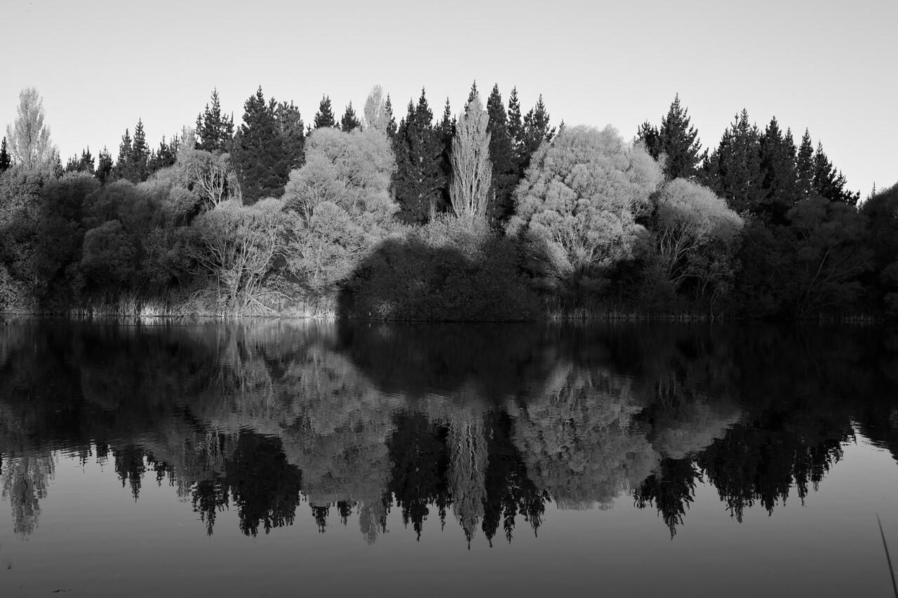 Lakes_2012-04-16_17-34-35__DSC6671_©RichardLaing(2012)