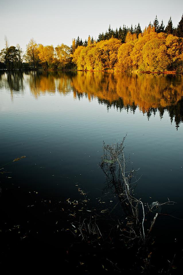 Lakes_2012-04-16_17-32-29__DSC6664_©RichardLaing(2012)