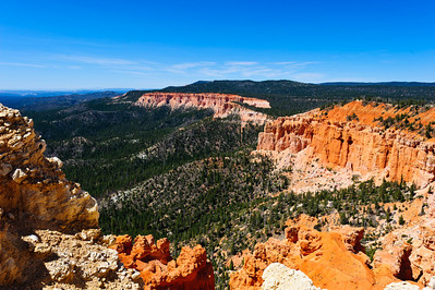 Bryce Canyon National Park amphitheater as seen from the rim trail at Bryce point