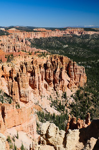 Bryce amphitheater as seen from the rim trail at Bryce Point