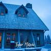 76  G Snowy Paradise Inn Moon