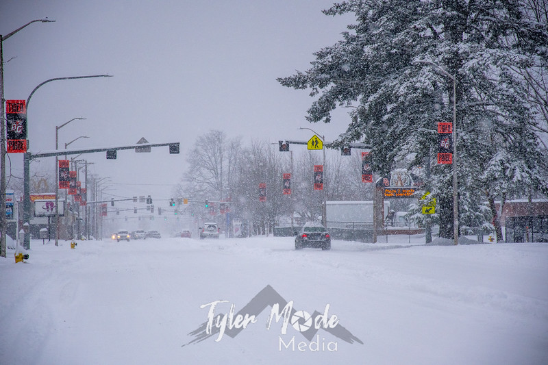 23  G BG Heavy Snow Main Street