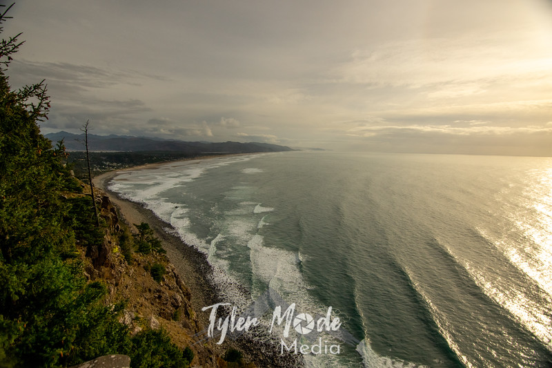 345  G Oregon Coast Waves