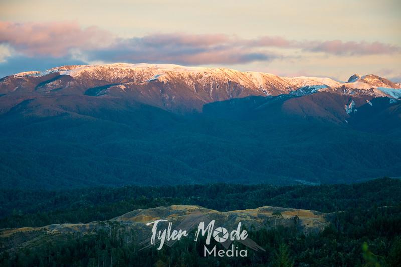 1  G Mountains Near Glenhope