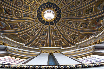 The main dome above the altar in Saint Peter's Basilica.