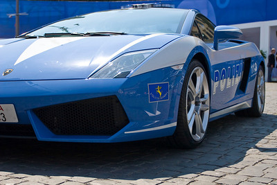 The Rome Polizia were showing off some really nice wheels.  It would be hard to outrun this Ferrari.   This was part of an exhibit that the Polizia had set up in Piazza Del Popolo on the western end of the old city near the Aurelian Wall.