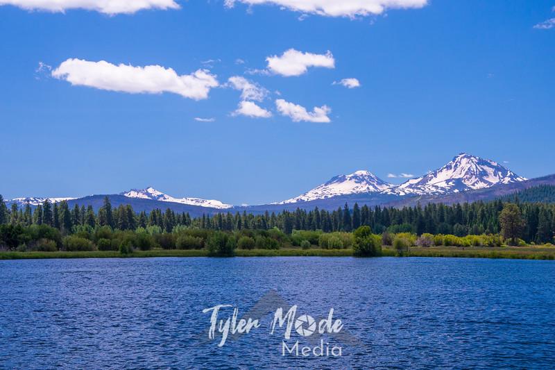2  G Three Sisters and Lake