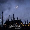 4  G Paradise Inn and Crescent Moon