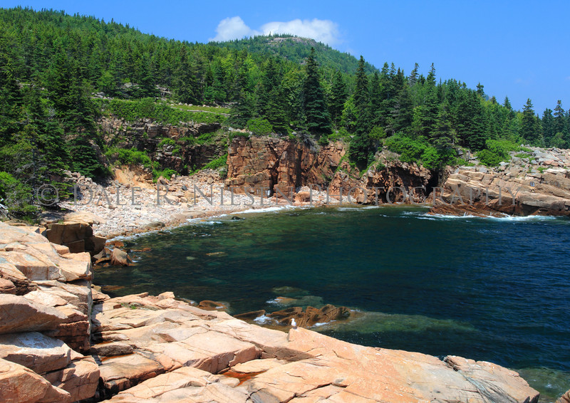 The rocky shore of Acadia Natinal Park
