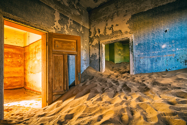 Colours & Sand in Kolmanskop