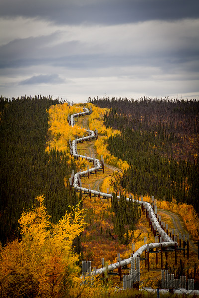 Amazing Engineering of the Alaska Pipeline along the Dalton Highway.