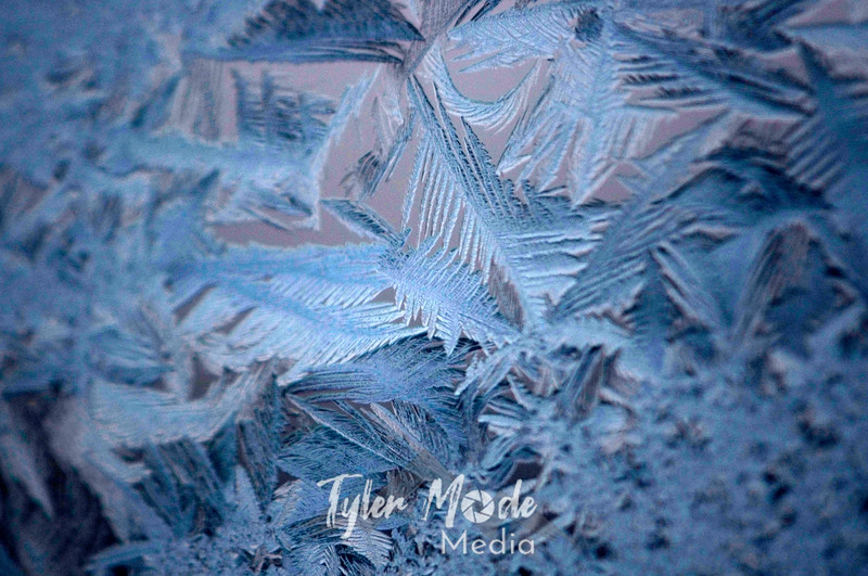 1344  G Ice Crystals Window