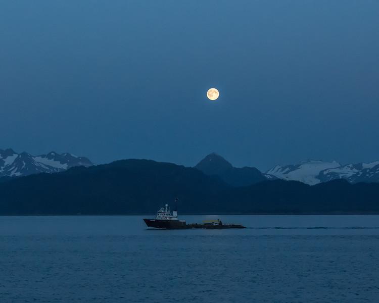 Moon rising over Homer