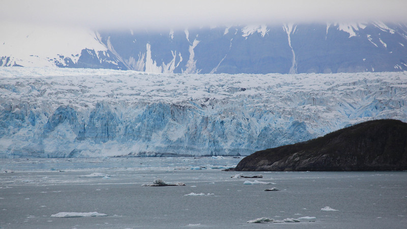 Disenchantment Bay, Hubbard Glacier