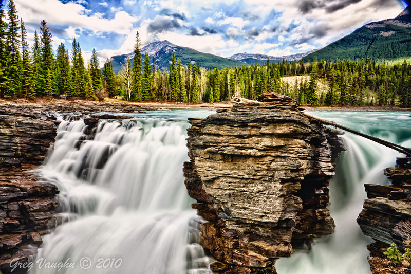 Athabasca Falls in Jasper National Park, Albert, Canada near the Icefields Parkway