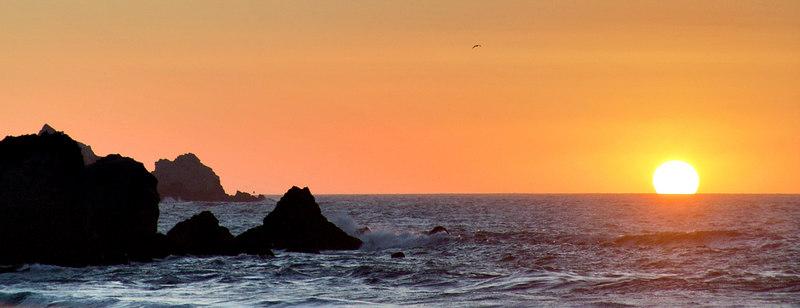 Setting sun at Rockaway Beach (south)