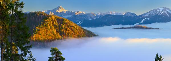 Valcanale con la coperta di nubi 231215-004576 #SX