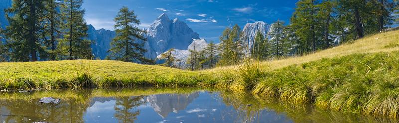 Laghetto sull' altopiano Sleme - Jalovec - Alpi Giulie