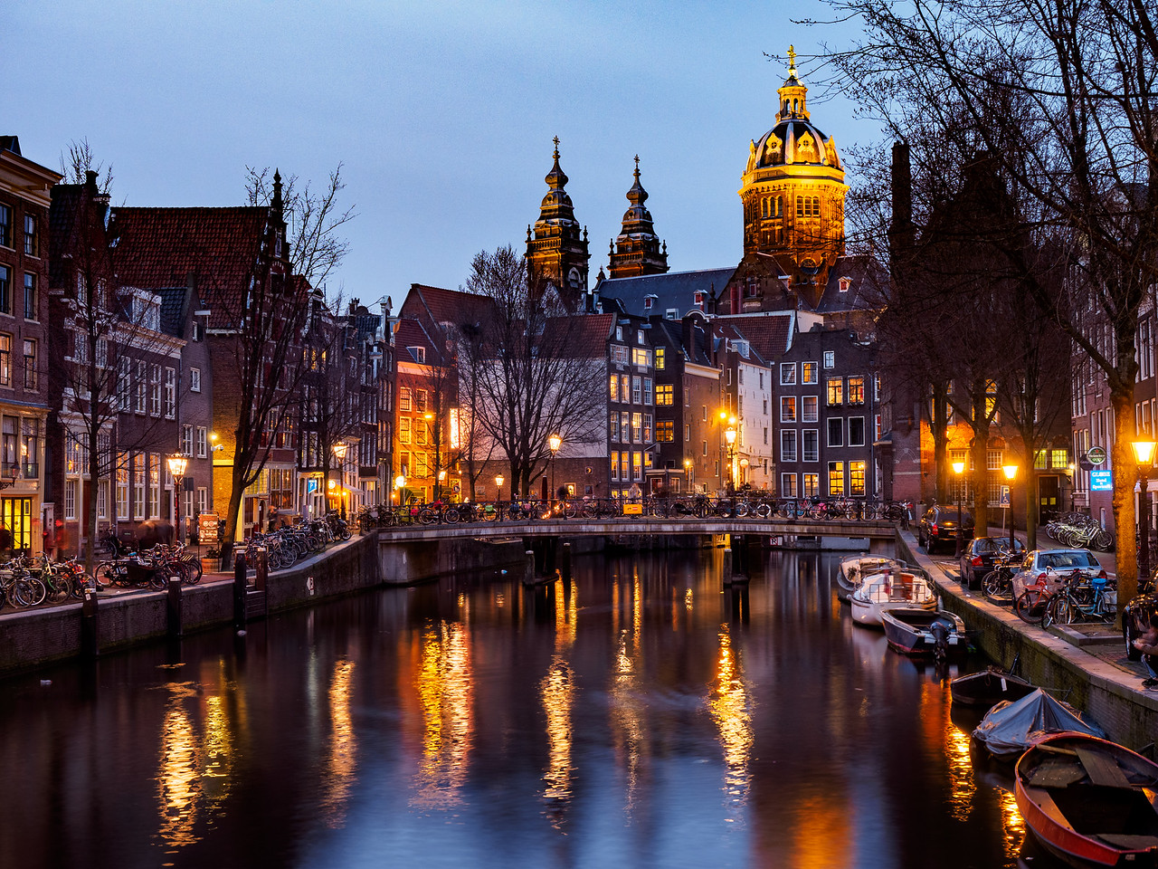 Amsterdam: Red Light district at night