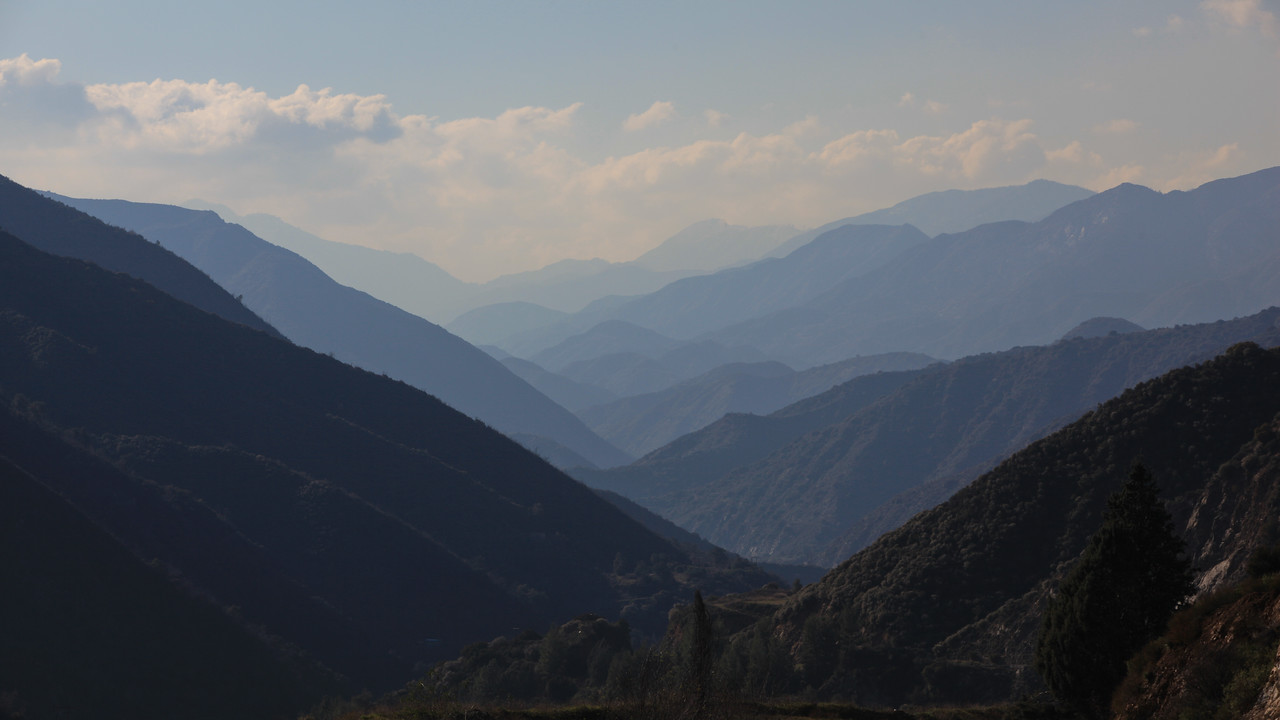 A hazy February day in the San Gabriel Mountains, Angeles National Forest, California.