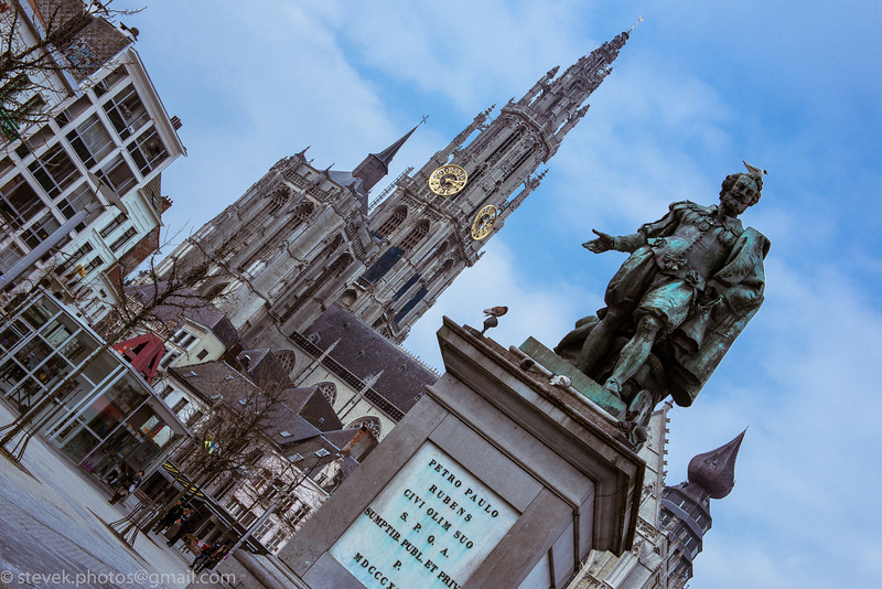 Statue of Peter Paul Rubens in front of the Cathedral of Our Lady
