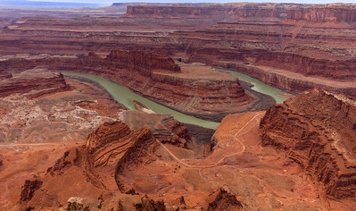 Dead Horse Point. The Colorado River is 2000 feet below the rim.