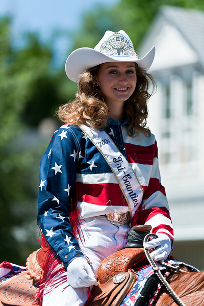 Rodeo queen, July 4th parade