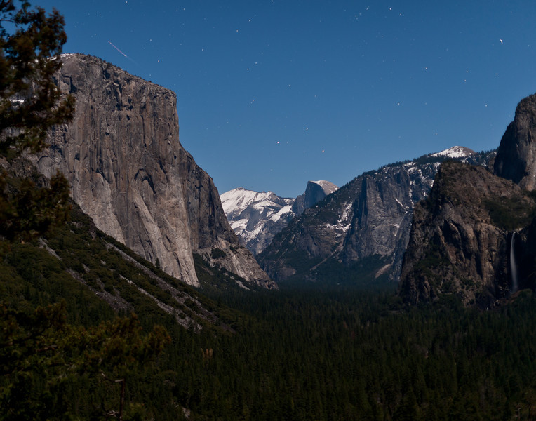 Yosemite in moonlight from Tunnel View overlook