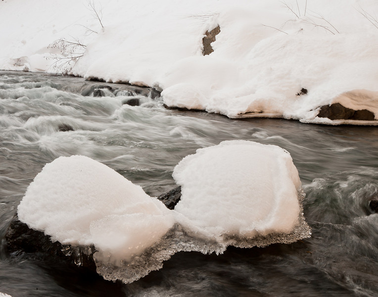 snow and rocks, Truckee river