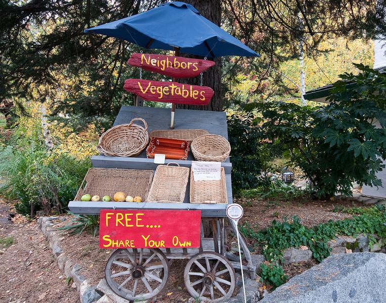 Nevada City vegetable cart