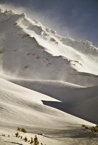 High winds and ridge, Mount Shasta