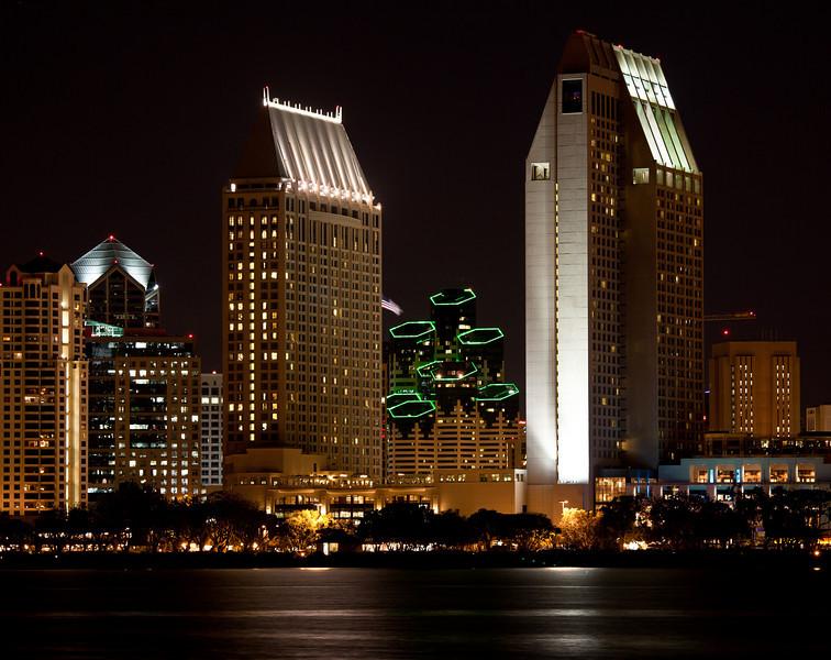 Emerald Plaza Between the Grand Hyatt Towers