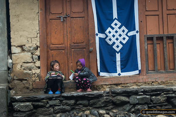 Kids at play, Lukla