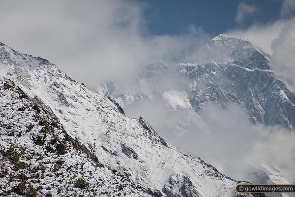 Wild weather on Mt Everest