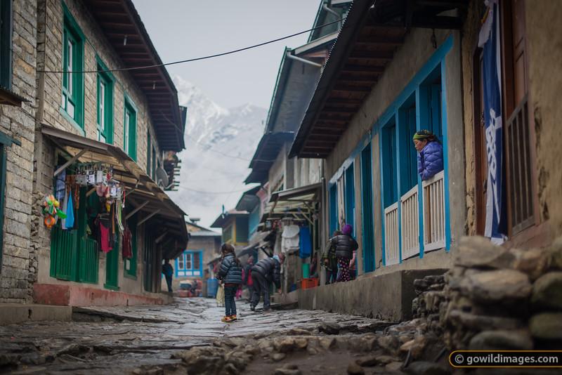 Lukla street scene