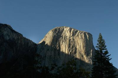 Yosemite cliffs-0101