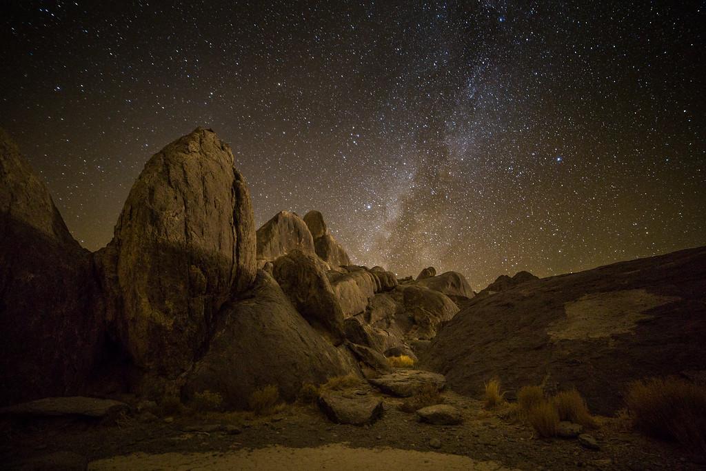 Milky Way slowly traversing stars-strewn sky