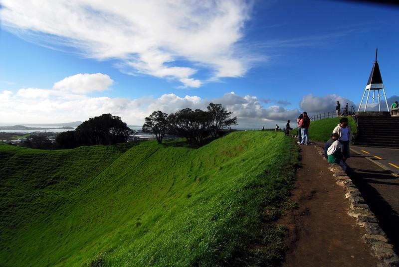 Crater edge, Mt. Eden.