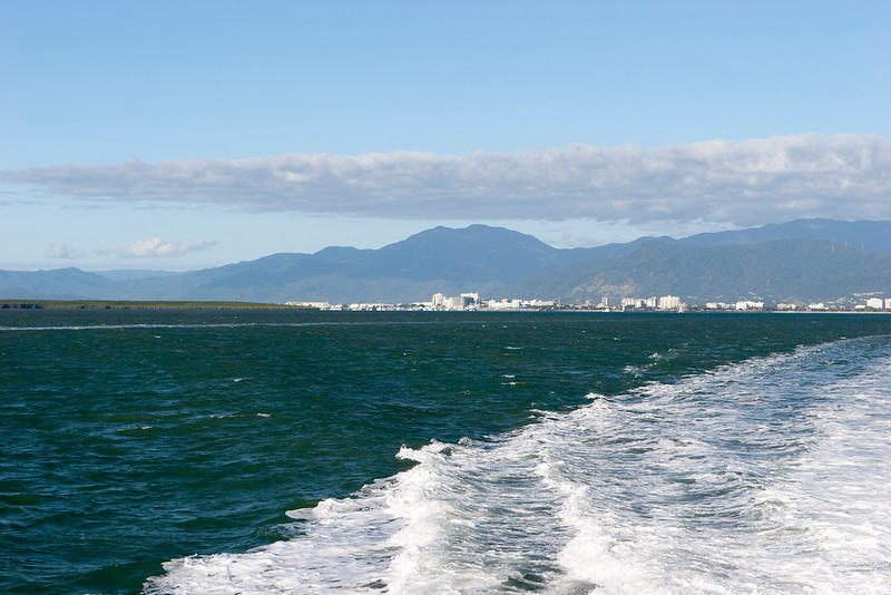 Cairns, on way to the great barrier reef