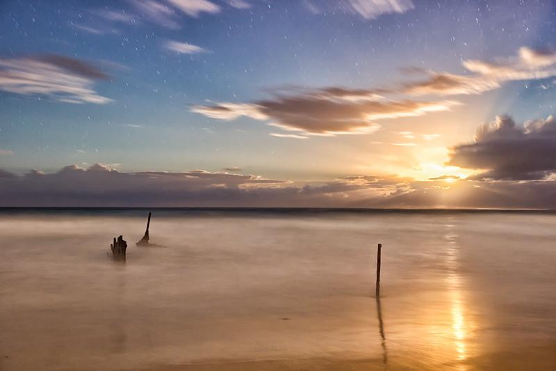 Moonrise on Dicky Beach