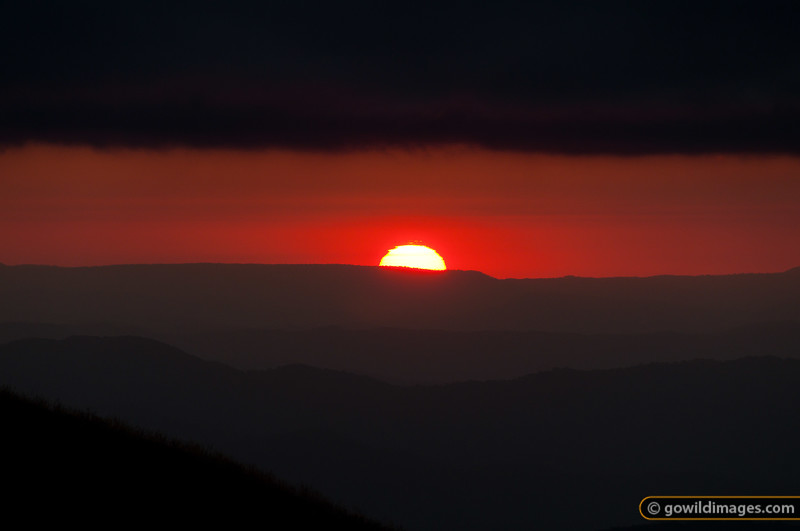 Looking west from Mt Feathertop at sunset