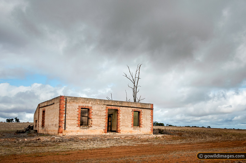 A deserted farmhouse north of Nhill in the mallee region of NW Victoria.
