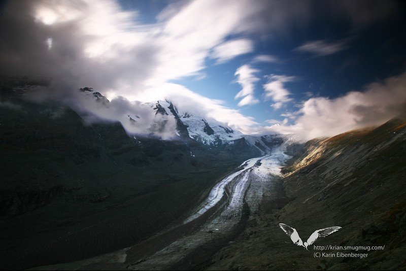 The Pasterze glacier beside Grossglockner (to the left), Hohe Tauern.
