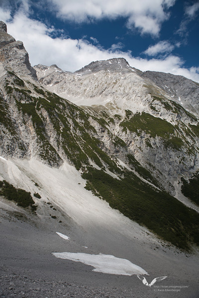 June 2011. Hiking in the Halltal up to the Stempeljoch.