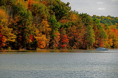 autumn colors on the lake