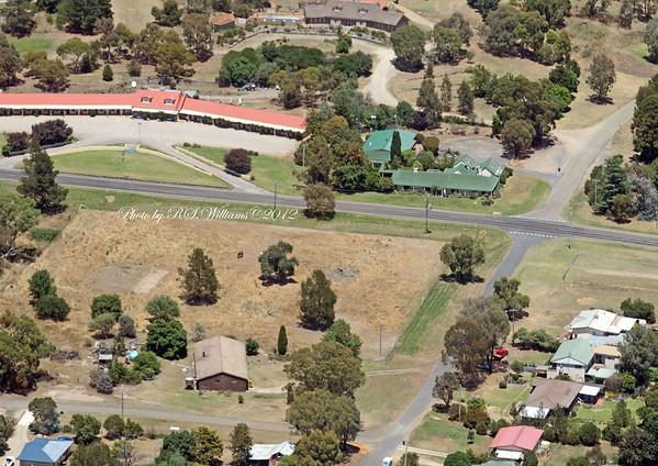 Royal Tara Motel at upper left and Black Swan Restaurant adjacent.