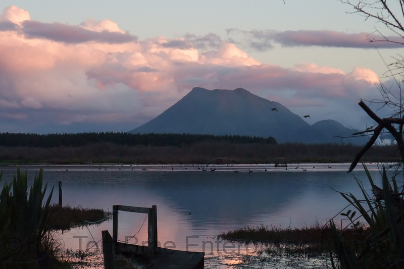 Tumurau Lagoon (Braemar Lagoon) at Sunset