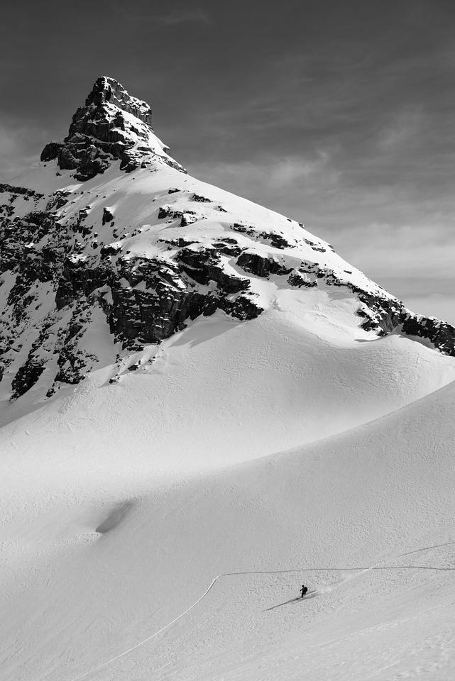 Skiing under Mount David