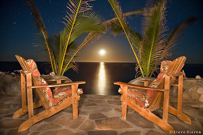 Las Baracas Moon Rise over the Sea of Cortez in Baja California Sur Unfortunately this home recently fell into the ocean.