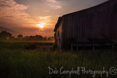 The Townsend Quilt Barn at Sunrise Townsend, Tennessee